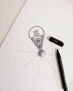 🤔#mandala #mandalaart #mandalas #art #mandalalove #mandala_sharing #mandaladesign #mandalapassion #mandalala #zentangle #tattoo #tattoos… Doodle Art Drawing, Cool Art Drawings, Mandala Drawing, Celtic Patterns, Doodle Patterns, Zentangle Patterns, Mandala Doodle, Mandala Design, Gcse Art Sketchbook