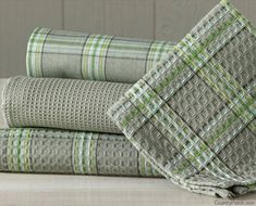 The Country Porch features the Mirage Kitchen Dishtowel Set from Park Designs. Pin Weaving, Weaving Art, Loom Weaving, Weaving Designs, Weaving Projects, Free Swedish Weaving Patterns, Monks Cloth, Dish Towels, Hand Towels