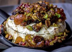 French baked brie with figs, walnuts and pistachios. An impressive app… French baked brie with figs, walnuts and pistachios. Baked Brie Recipes, Fig Recipes, Cheese Recipes, Holiday Recipes, Cooking Recipes, Snacks Für Party, Appetizers For Party, Appetizer Recipes, French Appetizers