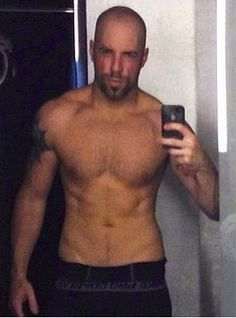 Chris Daughtry's 1st 90 Day Challenge pic. Taking his fitness to a new level :)