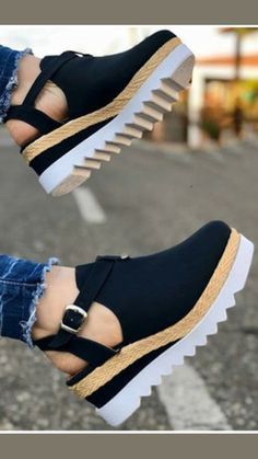 Sandals Outfit Summer, Cute Sandals, Summer Shoes, Sneakers Fashion, Fashion Shoes, Shoe Makeover, Shoes Heels Wedges, Women's Shoes, Hype Shoes