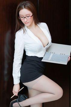 Beautiful Girl Image, Beautiful Asian Women, Sexy Asian Girls, Hot Girls, Sexy Librarian, Indian Beauty Saree, Curvy Models, Just Girl Things, Girl Pictures