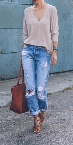 Ripped boyfriend jeans casual