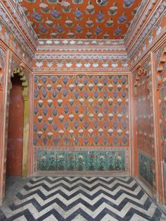 Chevron actually is an Indian pattern. Lotus room, Udaipur Palace, Rajasthan, India