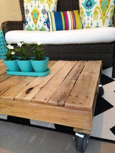 DIY Pallet Patio Table | domino.com