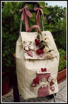 PAP - mochila escolar em patchwork