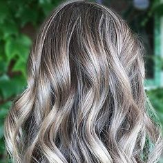Golden Blonde Balayage for Straight Hair - Honey Blonde Hair Inspiration - The Trending Hairstyle Grey Blonde Hair, Ash Blonde Balayage, Ombre Hair Color, Cool Hair Color, Hair Colors, Hairstyles Long Bob, Formal Hairstyles, Long Curly Hair, Curly Hair Styles
