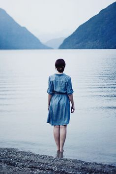 godislonely:  the color blue photographed by GraceAdams.