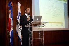 Santo Domingo.- La Oficina Presidencial de Tecnologías de la Información y Comunicación (OPTIC),lanzó este martes, el Índice de Uso de TIC e Implementación de Gobierno Electrónico en el Estadodominicano correspondiente al año 2015. En un acto, realizado en el auditorio del iCEI-RD. El lanzamiento de la tercera versión del ranking de uso de TIC e…
