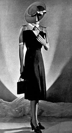 1940's Fashion shot. #1940sfashion #1940sclothing #194 0sdress