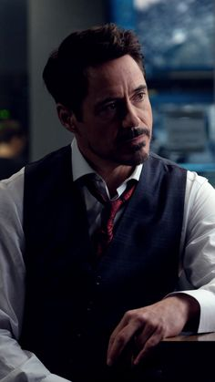 This Iron Man Quiz will really tickle your brain cells. Best Quiz ever on Tony Stark played by Robert Downey Jr. Become an Avenger if you get 10 on