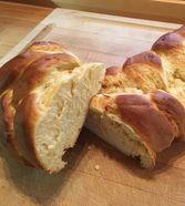 Uromas Hefezopf Tufu Recipes, Bread Recipes, Baking Recipes, Vegan Recipes, Milkshake Recipes, Cakes And More, Diy Food, Soul Food, Breakfast Recipes