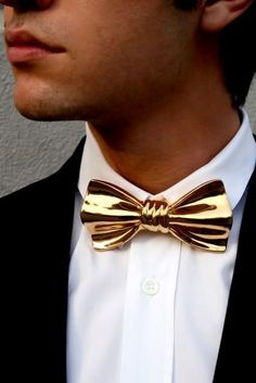 Fancy - CERAMIC BOW TIE BY COR SINE LABE DOLI Der Gentleman, Gentleman Style, Gold Bow Tie, Fashion Accessories, Fashion Jewelry, Groom And Groomsmen, Unisex, Chokers, Bow Ties