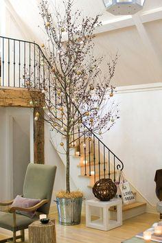 Foyer/ stairway Christmas decoration tree