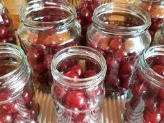 Mennyei Meggybefőtt recept! A legegyszerűbb befőtt elrakás, már bevált recept. Mason Jars, Mason Jar, Glass Jars, Jars