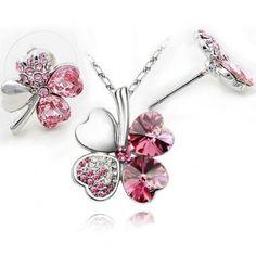 Neliapila kaulakoru ja korvakorut – Pinkki  Korun tilaus- ja hintatiedot löytyvät osoitteesta: http://www.samaskoru.fi/tuote/neliapila-kaulakoru-ja-korvakorut-pinkki/  #korut #kaulakoru #jewelry #necklace #fashion  www.samaskoru.fi