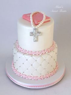 My first communion cake for a girl.