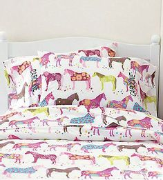 Horse and Pony Sheets and Bedding for Kids Love this! Reminds me of the painted ponies in newnan.