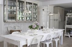 Vintage in gray and white – Greige Design