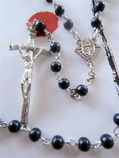 Knights of Columbus Rosary Knights Of Columbus, Holy Rosary, Hail Mary, Jesus Pictures, Rosaries, Blessed Mother, Holy Spirit, Spirituality, Beaded Bracelets