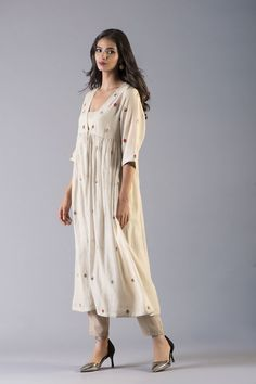Good Earth – Stylish Sustainable Luxury Retail   Goodearth.in Make ankle or floor length and we have a witches robe wizarding fashion magical style Dress Indian Style, Indian Dresses, Indian Attire, Indian Wear, Pakistani Outfits, Indian Outfits, Kurta Style, Indian Fashion Trends, Kurta Designs Women