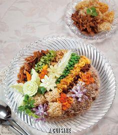 Thai Recipes, Cooking Recipes, Healthy Recipes, Authentic Thai Food, Food Decoration, Food Goals, Recipe Community, World Recipes, Food Presentation