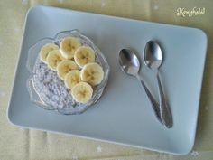Banános chia puding Chia Puding, Smoothie, Oatmeal, Paleo, Pudding, Breakfast, Food, Sport, The Oatmeal