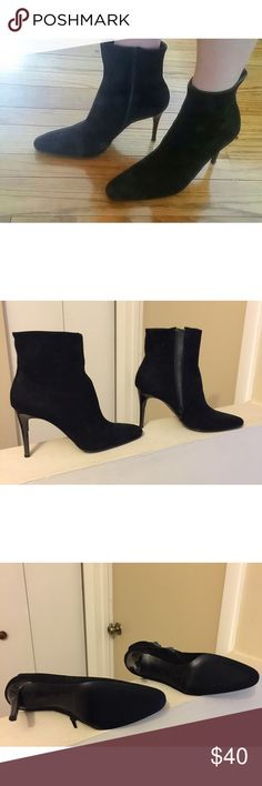 """Paloma black suede stiletto ankle boots sz 10 Paloma black suede stiletto ankle boots sz 10 with 4"""" lucite heels. Worn once but it's a narrow fit so it didn't work for me. Made in Italy. Paloma Shoes Ankle Boots & Booties"""