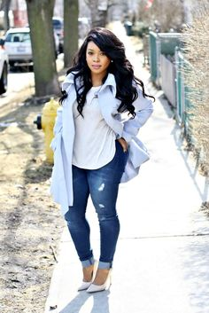 back to blue - Jeans For Petite Women - Ideas of Jeans For Petite Women - My Voguish Diaries Baby blue jacket with ripped jeans white tee Curvy Girl Fashion, Black Women Fashion, Look Fashion, Fashion Outfits, Womens Fashion, Fashion Pants, Fashion Edgy, Feminine Fashion, Fashion Ideas