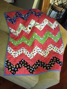 Love her baby quilt colours!!!!!!!