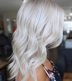 60 Spectacular Side-Swept Hairstyles for Women With Style Icy balayage textured lob by Coryn Neylon Ice Blonde, Brown Blonde Hair, Platinum Blonde Hair, Caramel Blonde, Langer Bob, Side Swept Hairstyles, Long Bob Haircuts, Grunge Hair, Balayage Hair