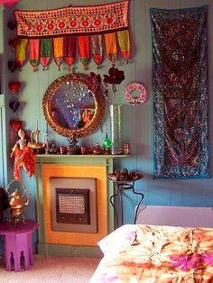 Do you have a bohemian home to share? Do you collect interior design photos of bohemian homes? Does your interior design taste lean towar. Gypsy Decor, Bohemian Decor, Bohemian Style, Bohemian Gypsy, Boho Chic, Bohemian House, Bohemian Apartment, Tribal Decor, Gypsy Chic