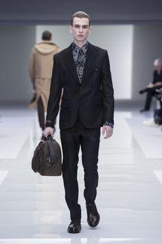 Look 57 - #Versace Men's Fall/Winter 2016 fashion show. #VersaceMenswear