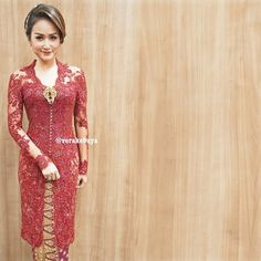 verakebaya's photo on Instagram Vera Kebaya, Kebaya Lace, Kebaya Brokat, Kebaya Dress, Batik Kebaya, Blouse Batik, Batik Dress, Lace Dress, Kebaya Simple