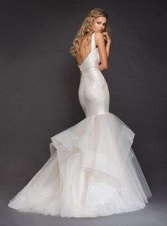 5331ca20b00e V-neckline Spaghetti Strap Bandage Knit Mermaid Wedding Dress With  Horsehair Trim Ruffle Skirt
