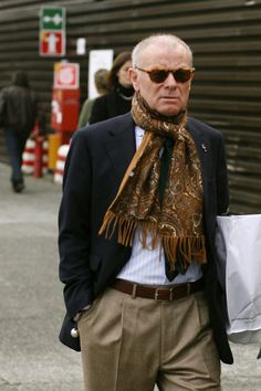 At Pitti Uomo……Lite Colored Pants « The Sartorialist The Sartorialist, Gentleman Mode, Gentleman Style, Sharp Dressed Man, Well Dressed Men, Old Man Fashion, Mens Fashion, Stylish Men, Men Casual