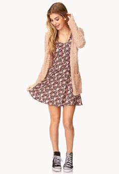 Skater dress + baggy cardigan + sneakers = cute and comfy outfit <3  Clothing ideas  Laid back fashion  My style  Spring fashion  Outfit ideas 