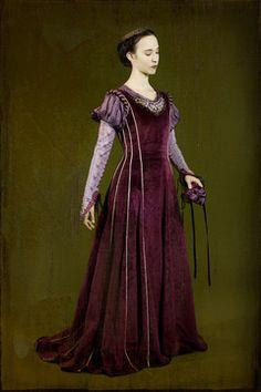 La robe Isabeau, costume d'inspiration miedieval, est disponible à la location.
