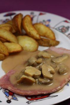 Jambon, sauce au Porto [thermomix] 4 tranches épaisses de jambon blanc 250 g champignons de Paris en conserve 40 g de concentré de tomate 15 cl de crème épaisse 15 cl d'eau 10 cl de Porto 1 cuillère à soupe de Maïzena 1 cube de volaille Sel, poivre