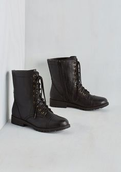 Art Me Up Boot in Black