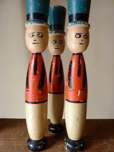 Vintage Wood Soldiers / Tall Skittle Pins Set by BlueBlueVintage