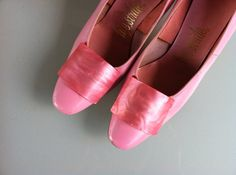 Vintage 1960s Pink Pearlized Leather Pumps by BeeHiveTreasures, $44.00