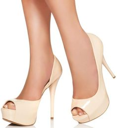 I love it! Nude shoes for the win!