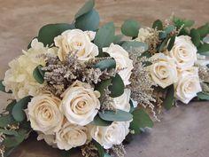 Bouquet de rosas liofilizadas ¿Natural o liofilizado? www.llorensyduran.eu/blog-decoracion-floral/flores-para-una-novia/ramo-de-novia-liofilizado-o-natural/