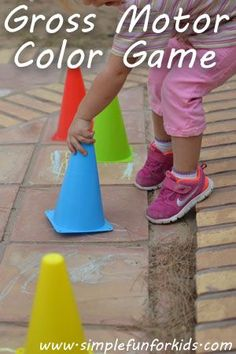 Gross Motor Color Game- great way to get the kids outside and learning! {Simple Fun for Kids} #grossmotor