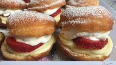 Šlehačkové řezy s kávovými piškoty – RECETIMA Czech Recipes, Ethnic Recipes, Graham Crackers, Donuts, Hamburger, Breakfast Recipes, Sweet Tooth, Sweet Treats, Bakery