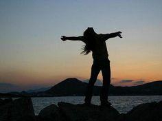 Libertad, expresarme y no reprimirme, sin miedo de seguir mis sueños y no arrepentirme