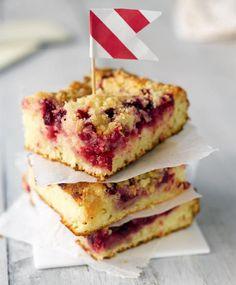 Amerikkalainen puolukka-piimäpiiras | Koti ja keittiö Crumble Pie, Sweet Pie, Brownie Bar, Something Sweet, French Toast, Sandwiches, Berries, Food And Drink, Baking