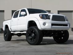nothin' sexier than a pearl white truck sittin' on black rims. Toyota Trucks, Toyota 4runner, 4x4 Trucks, Toyota Tacoma, Lifted Trucks, Cool Trucks, Cool Cars, Lifted Tacoma, Tacoma Truck