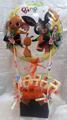Bing mongolfiera con spiedini di mashmellows Baby Boy Birthday, 3rd Birthday, Birthday Party Themes, Happy Birthday, Bing Cake, Boy Birthday Pictures, Bing Bunny, Festa Pj Masks, Pencil Toppers